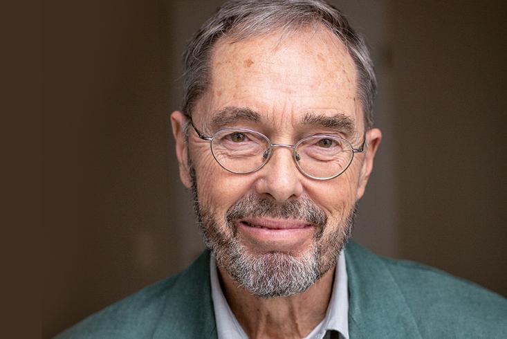 Porträtaufnahme von Friedemann Schulz von Thun. Link führt zur Leseprobe des Interviews mit Friedemann Schulz von Thun